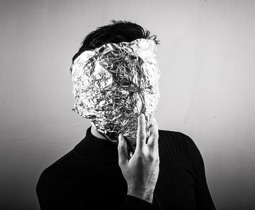 Mensch mit Maske pixabay