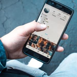 Hacker lieben deine Handynummer und sie kommen ganz leicht an sie ran! 1