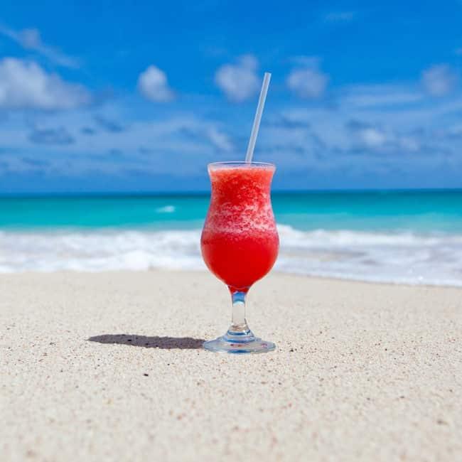 Du planst einen Kurztrip an einem der langen Wochenenden? 4 Tipps, wie du mit einem VPN beim Urlaub sparen kannst! 1